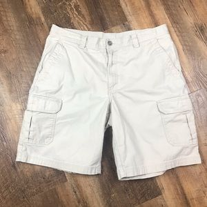 Columbia Omni Shade Tan Cargo Shorts Sz 38